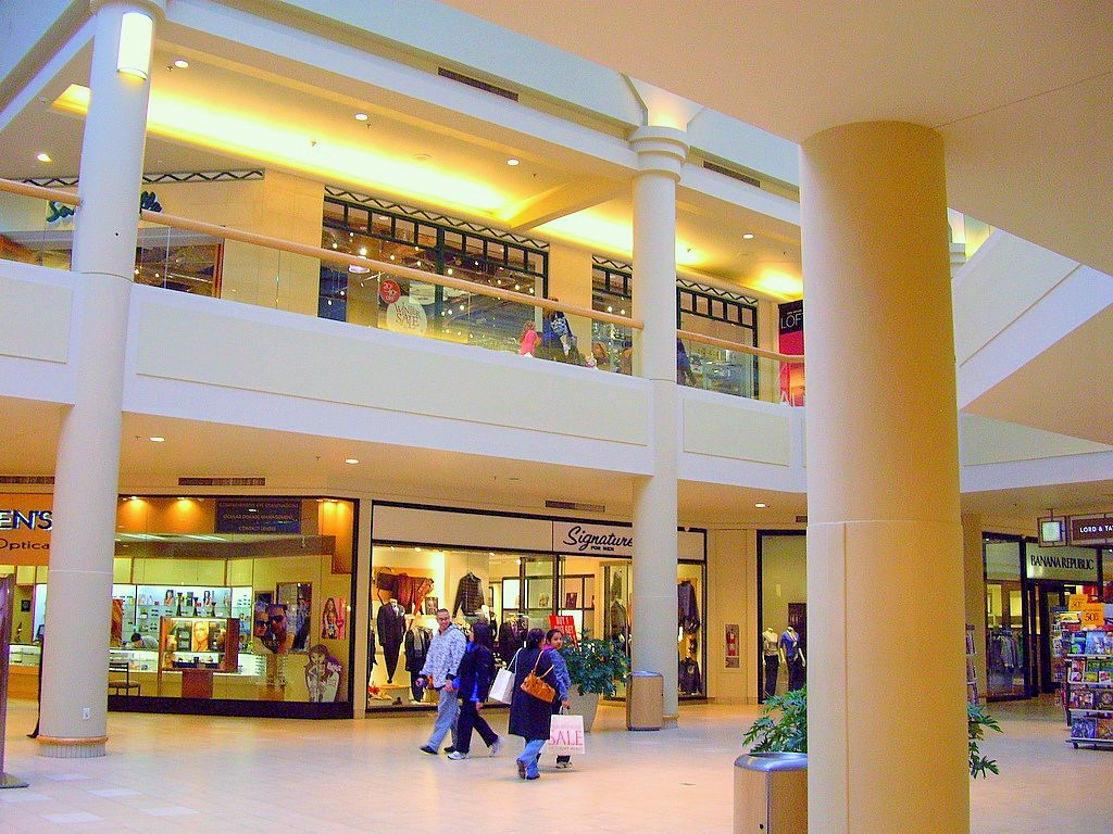 Outlets In Nj >> Freehold Mall • Address, Hours & Directions • Outlets in NJ