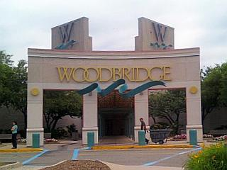 woodbridge mall 3 largest in nj all info about hours stores services. Black Bedroom Furniture Sets. Home Design Ideas